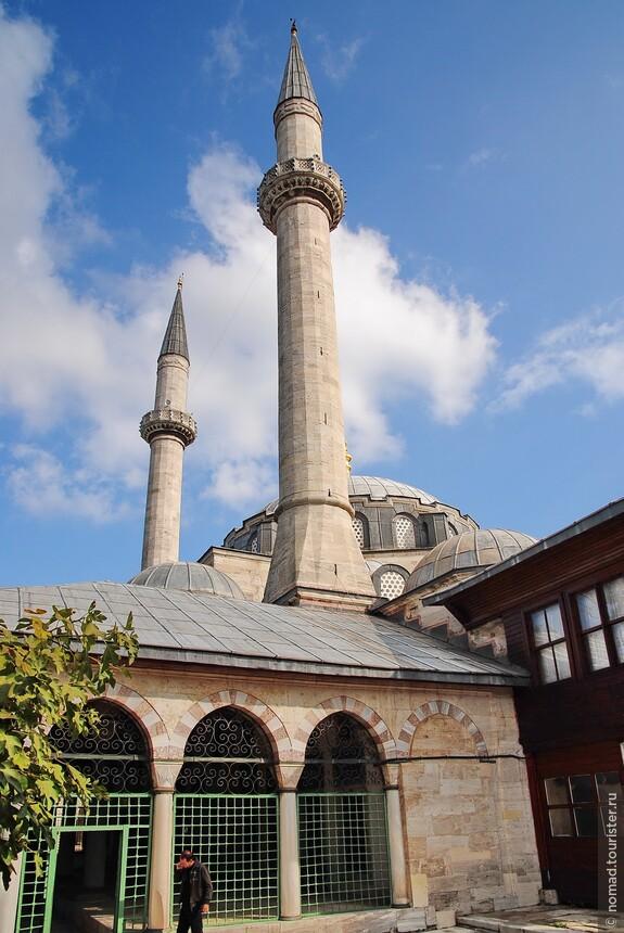 Мечеть Атик Валиде