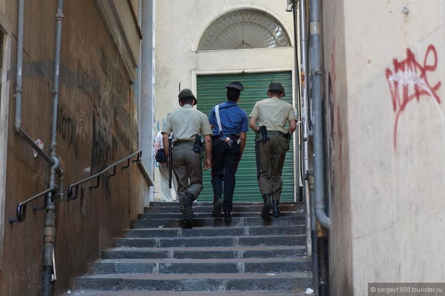 Бравые жандармы.