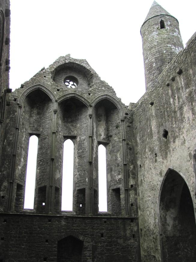 Древние руины впечатляют