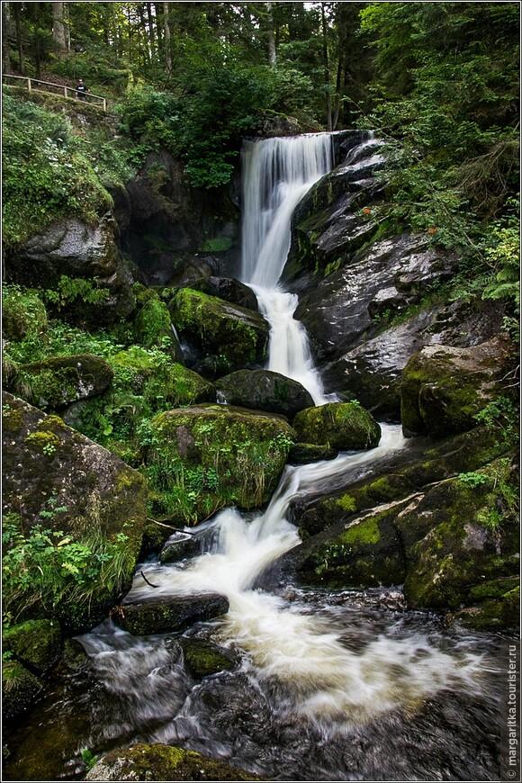 один из порогов водопада в его верхней части
