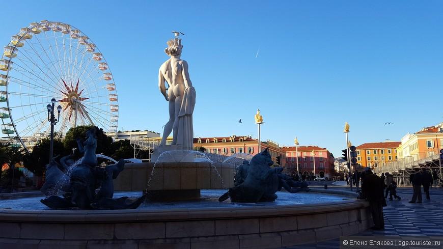 Фонтан «Солнце» на площади Массена, созданный в 1956 г. Его украшают скульптуры Альфреда Жаньо. В бронзовых статуях предстали главные божества античной мифологии: Гея-Земля, Марс, Венера, Меркурий и Сатурн, а по середине стоит семиметровая фигура Аполлона, которую сочли неприличной и демонтировали, восстановили в 2011 г.