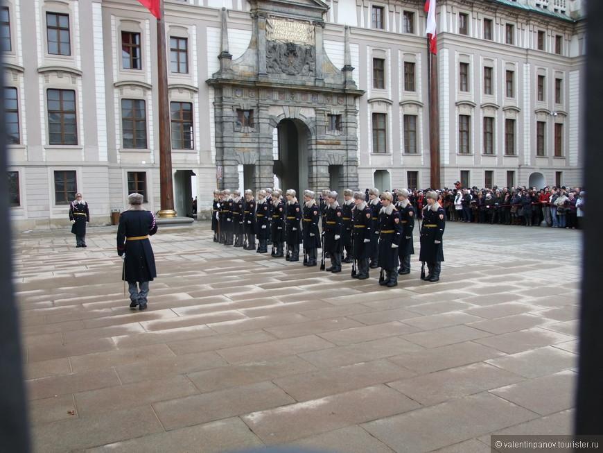 Натовская армия практически в полном составе приготовилась к марш-броску Nach Osten!