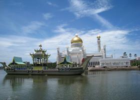 Визитная карточка Брунея-мечеть Омара Али Саифуддина