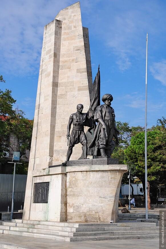 Памятник турецкому адмиралу и корсару Хайраддину Барбароссе