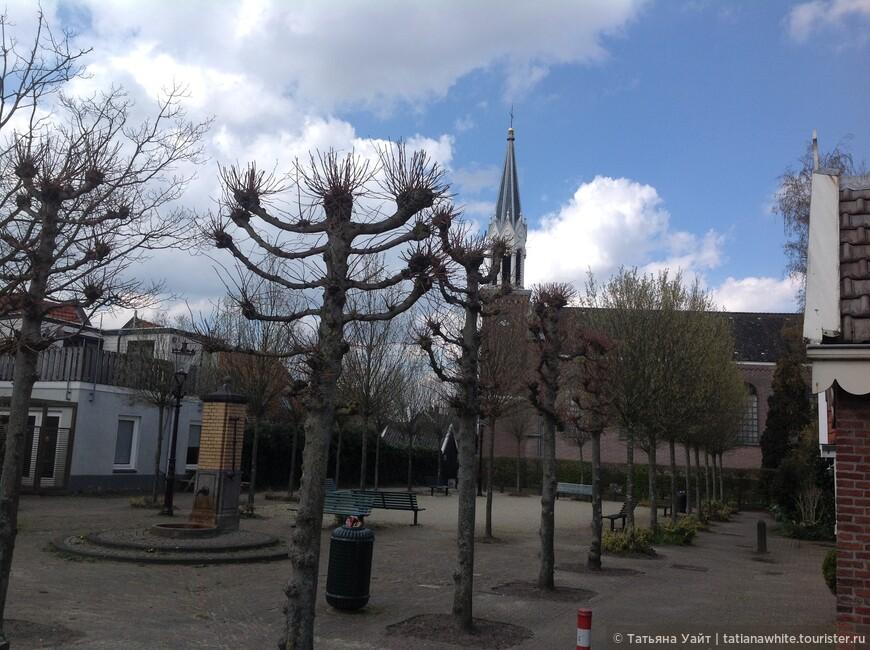 Строгая протестанская церквушка.