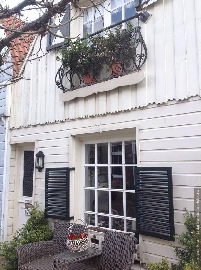 Очень понравился этот домик в голландской деревеньке.