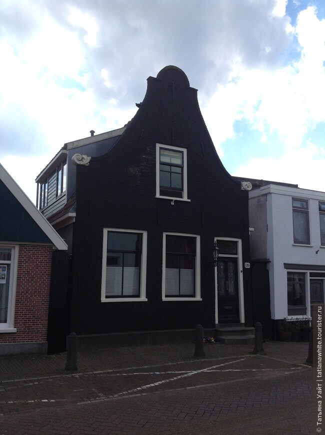 Строгий голландский фасад.