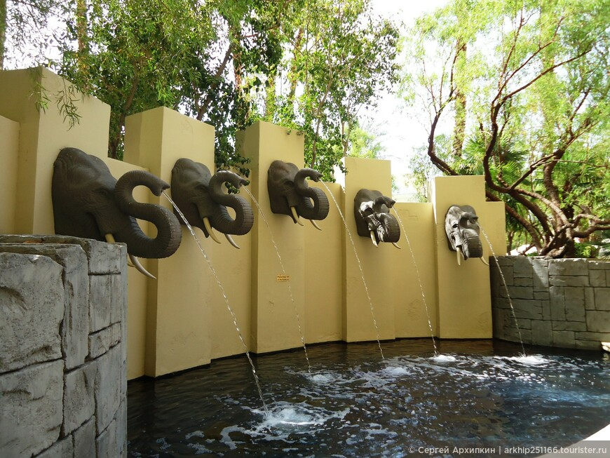 В отеле Мандалай