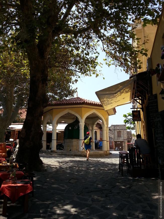 Возле мечети Ибрагима паши