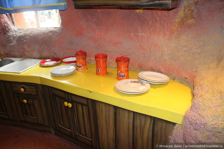 Кухня в домике Бакс Банни