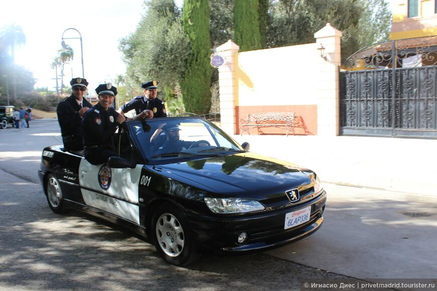 Полицейская академия в парке аттракционов Warner Brothers