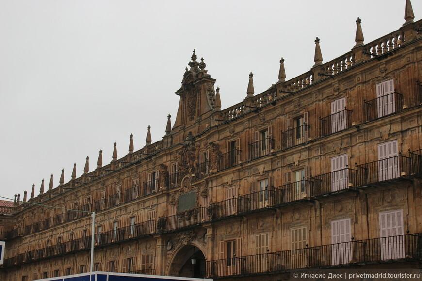 Фасад здания центральной площади Саламанки Plaza Mayor