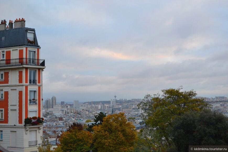 Под мечтательным небом Бальмонта, В красках чувственного Пикассо Восхищает в лучах позолоты Озорного Парижа лицо.