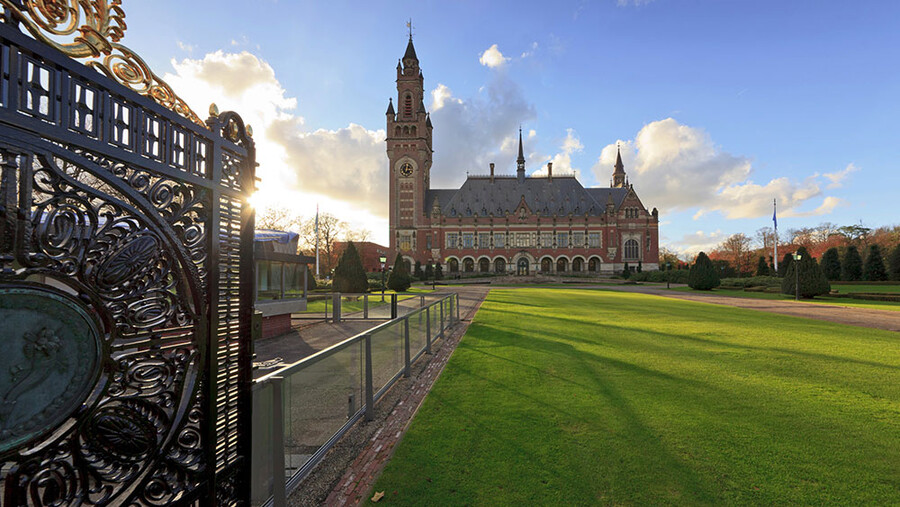 Картинки по запросу Дворец мира в Гааге фото