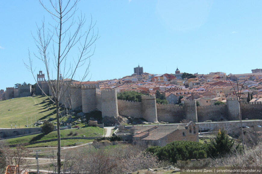 Вид на крепостную стену Авилы
