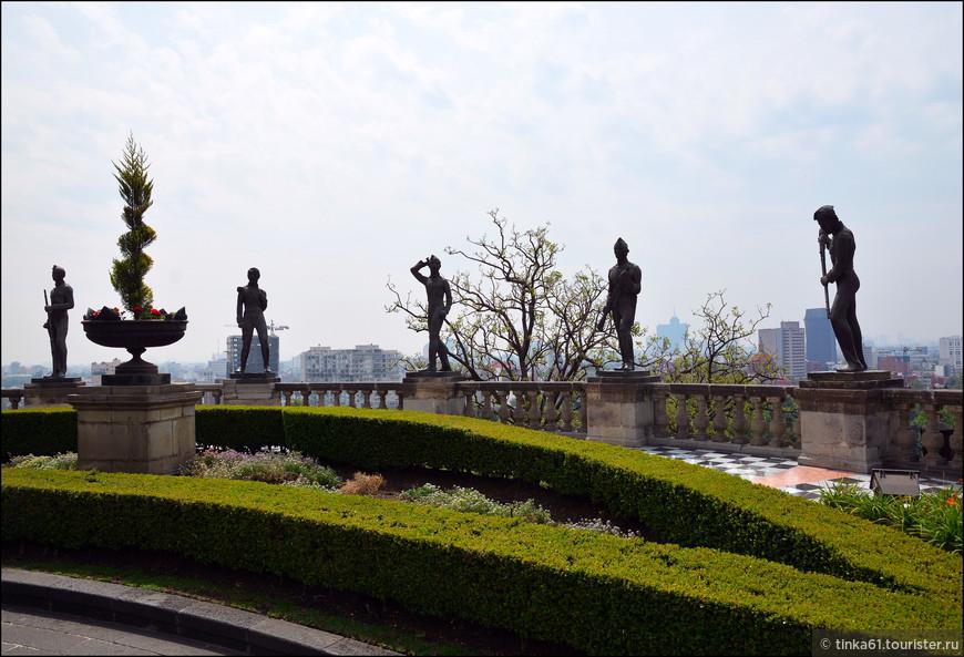 Монумент детям-героям, погибших  в 1847 в борьбе с американскими захватчиками.
