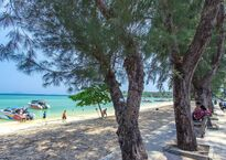 rawai-beach-boats1.jpg
