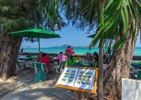 beachfront-thai-seafood-restaurants-rawai8.jpg