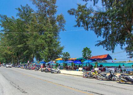 beachfront-thai-seafood-restaurants-rawai17.jpg