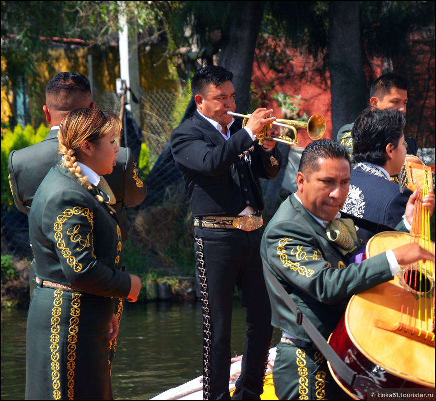 Говорят, что в Сочимилко работают отнюдь не лучшие музыканты.