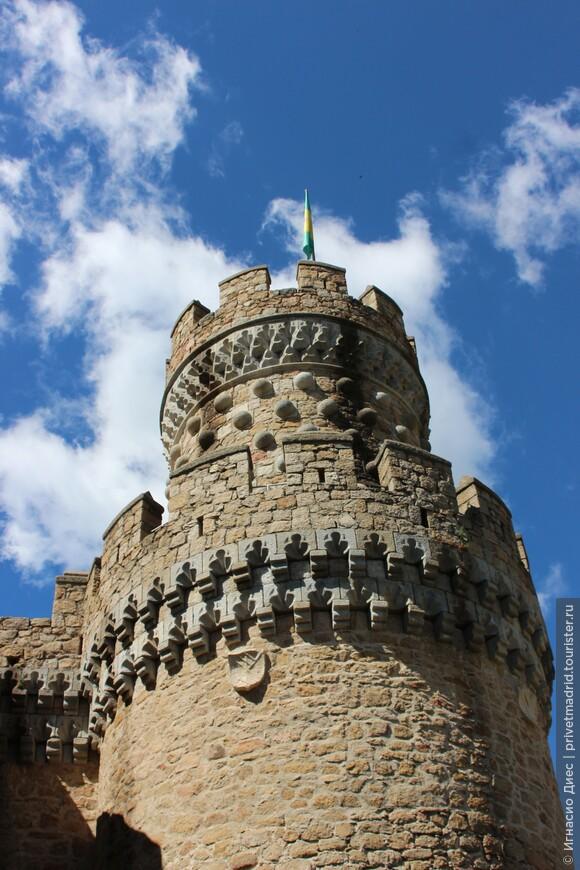 Очень красивый замок Мансанарес