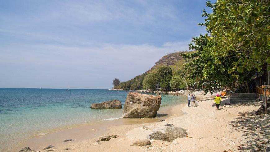 Пляж Ао Сен, район Раваи, о. Пхукет