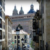 Вид на иезуитский колледж и его церковь.