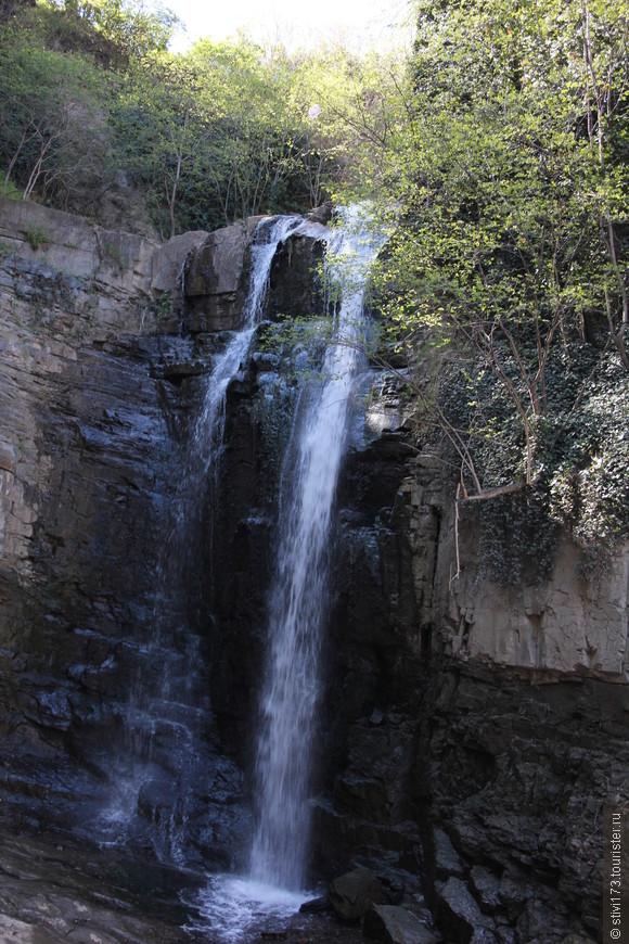 Водопад в центре Тбилиси рядом с серными банями.
