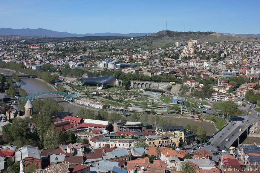 Вид на Тбилиси с холма Салолаки.