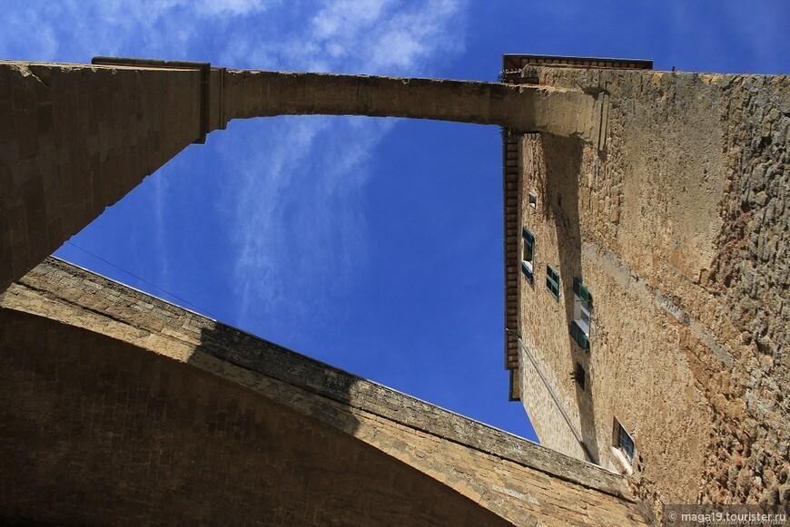 Под Акведуком города Питильяно.