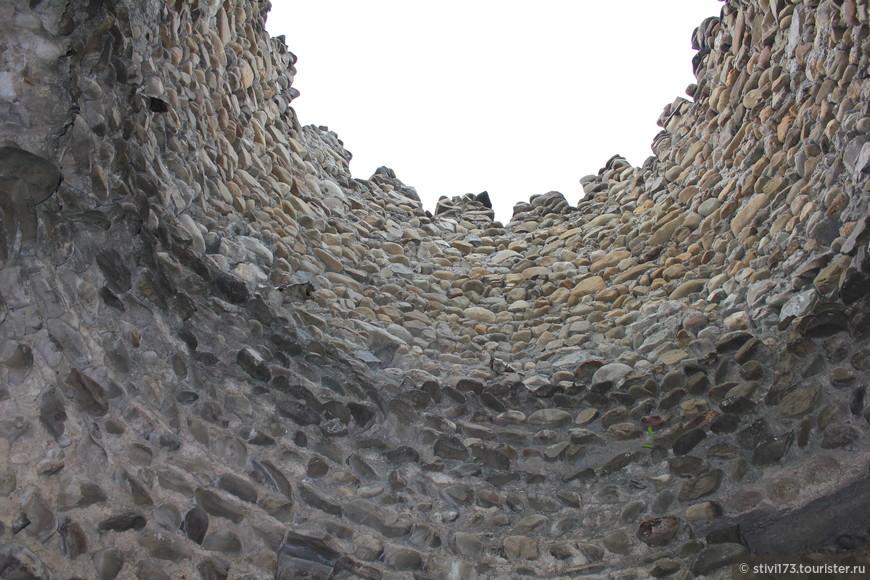 Внутри башни.