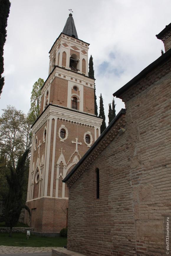 Колокольня монастыря Бодбе (святой Нино)