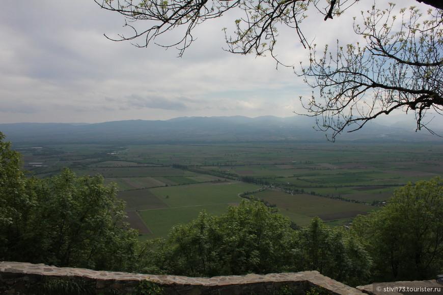 один из лучших в Грузии видов на Алазанскую долину.