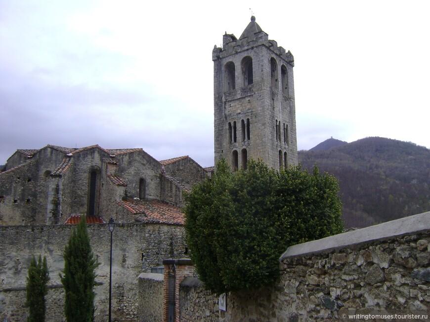 Церковь в Прат де Молло, Пиренеи.