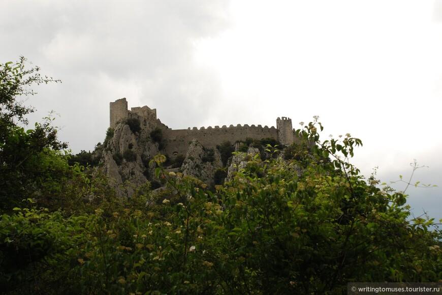 Замок Пюиларен в крае катаров.
