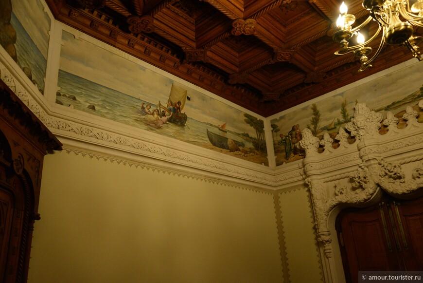 В залах Дворца Ригалейра.