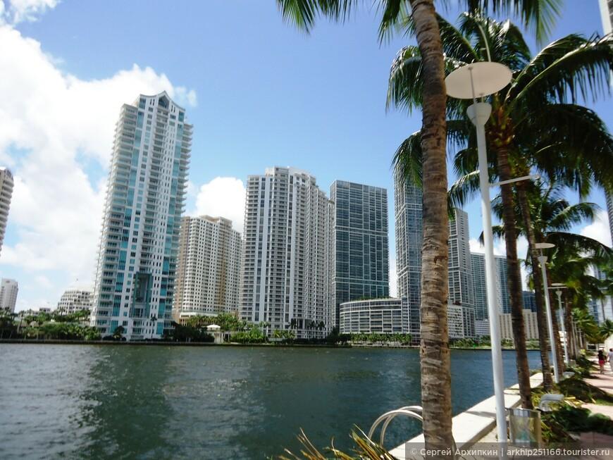 На набережной реки Майами расположился ультра современный район