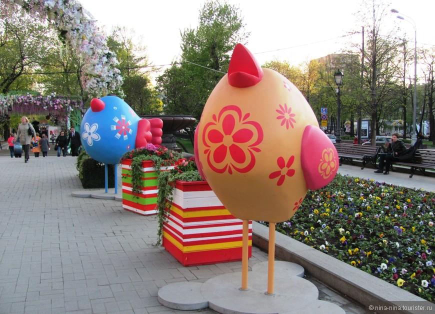 Пасхальные украшения  - яркие, симпатичные цыплята