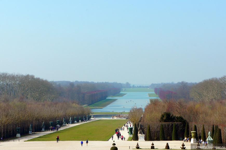 Помните как к Кисе пришел «долгожданный размах»? У ворот Версаля мне вспоминается эта фраза. Здесь Король Солнце не страдавший скромностью развернулся на полную.