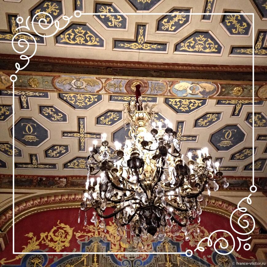 Потолок театра в замке Бриссак