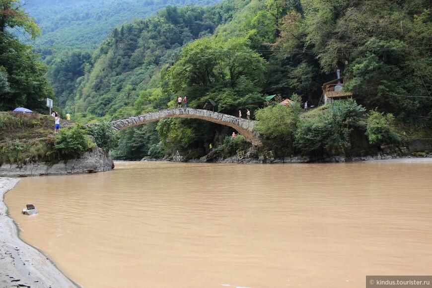 Арочный мост в районе Махунцети.