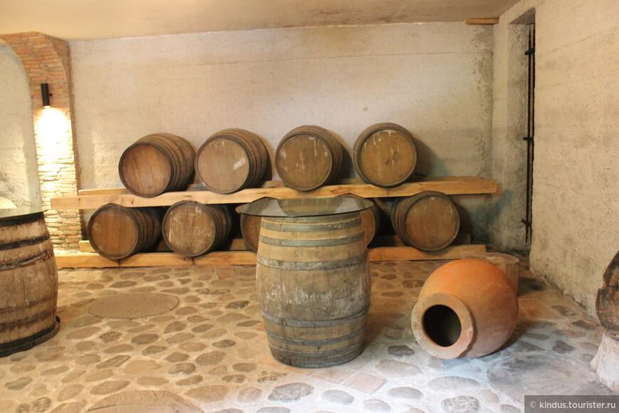 В подвалах винного дома