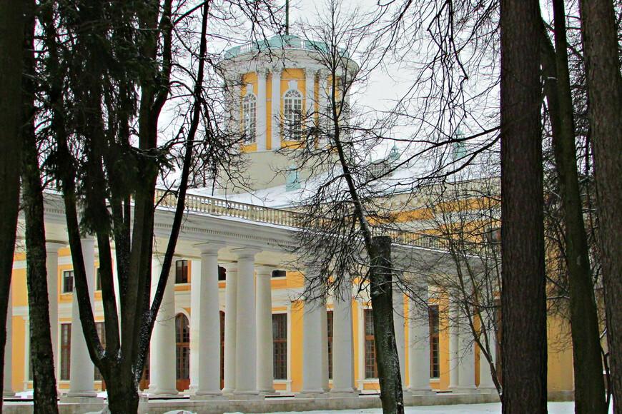 Наверно, Архангельское что-то теряет зимой от своей прелести.