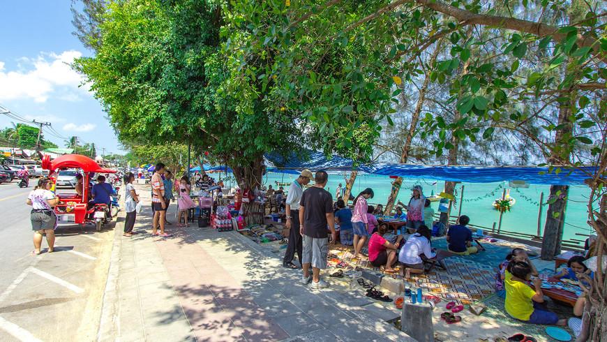 Тайский ресторан на набережной Раваи