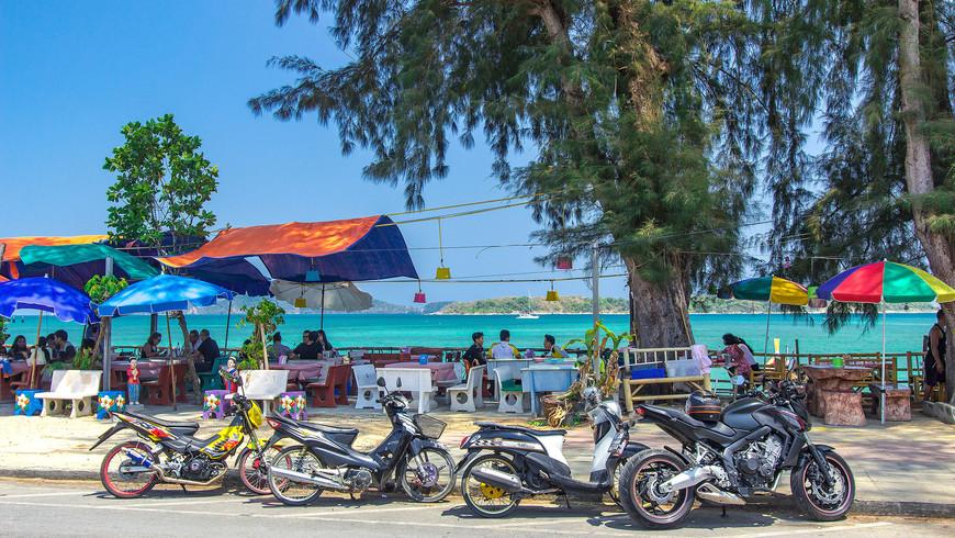 beachfront-thai-seafood-restaurants-rawai16.jpg