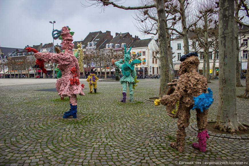 Площадь Врейтхоф является местом проведения карнавалов и ярмарок, таких как рождественская ярмарка Винтерланд (Winterland) и кулинарный фестиваль Прёйвенеминт (Preuvenemint).