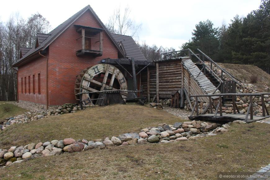 Полностью построенная водяная мельница