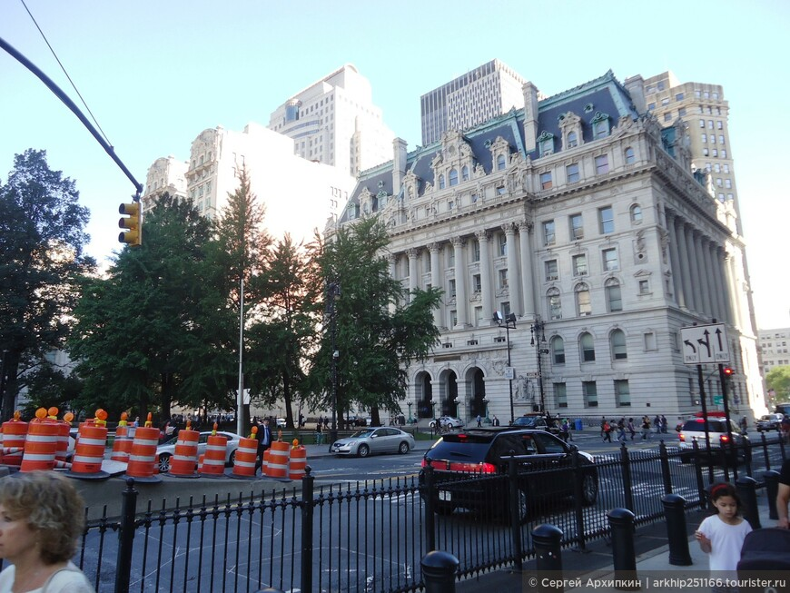С самого раннего утра- у меня были большие планы- и в первую очередь от своего отеля я приехал на метро к Бруклинскому мосту