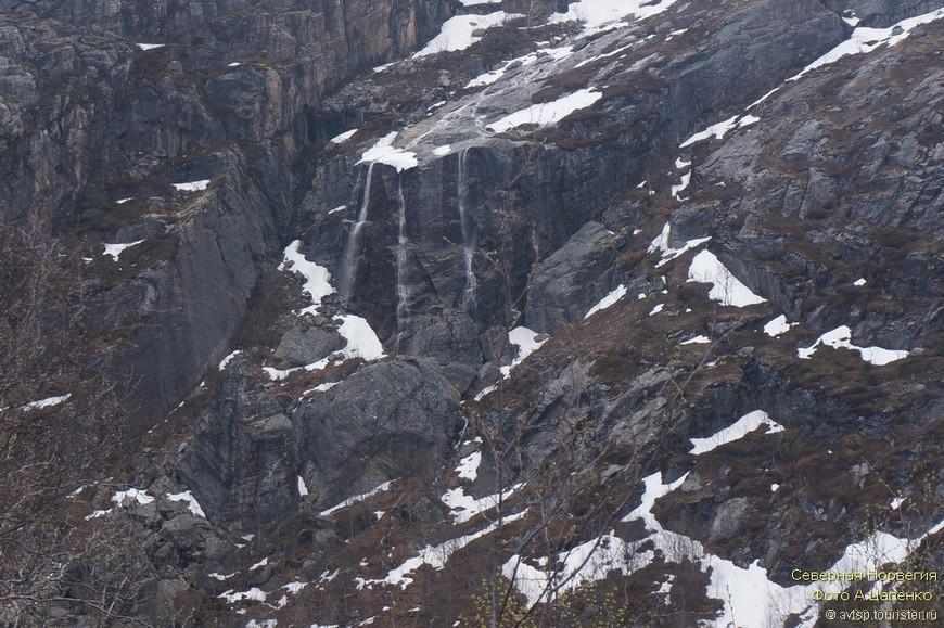 В горах ещё продолжается снеготаяние...