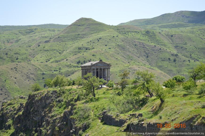 Языческий храм богу Солнца I века в селе Гарни